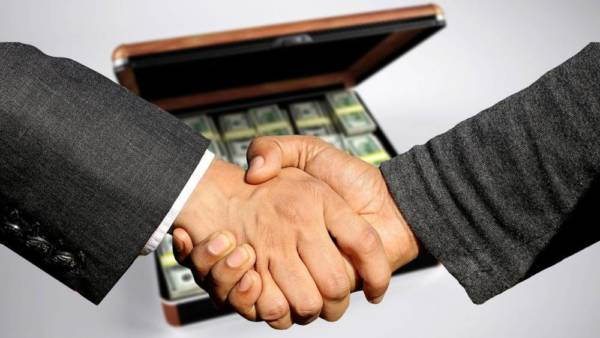 セルフバックで10万円を稼ぐ方法と初心者向けのコツを解説